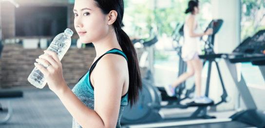ダイエットで筋トレをするときの水分摂取の方法は?