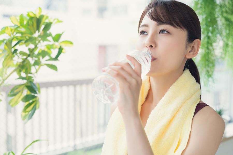 運動後は、やや冷たい温度の水分を選びましょう