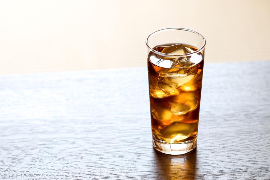 ダイエット中の水分として、適量であれば烏龍茶でも大丈夫です