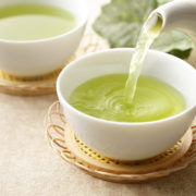 緑茶はダイエットに向いている水分なの?