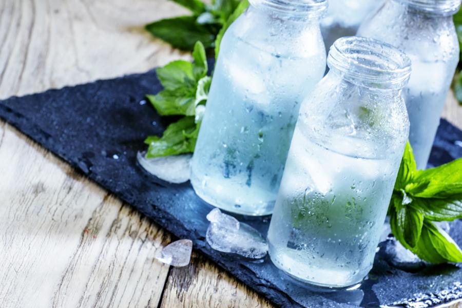 水分は代謝アップなどダイエットに不可欠な関係です