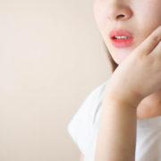 ダイエットで顔が浮腫むのは水分の影響?