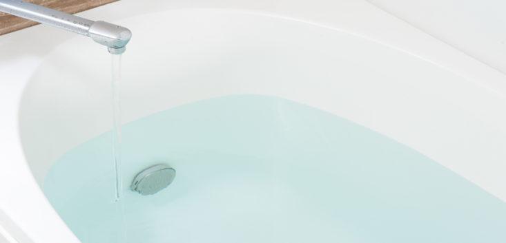 お風呂に浸かるだけで、むくみ解消できる?