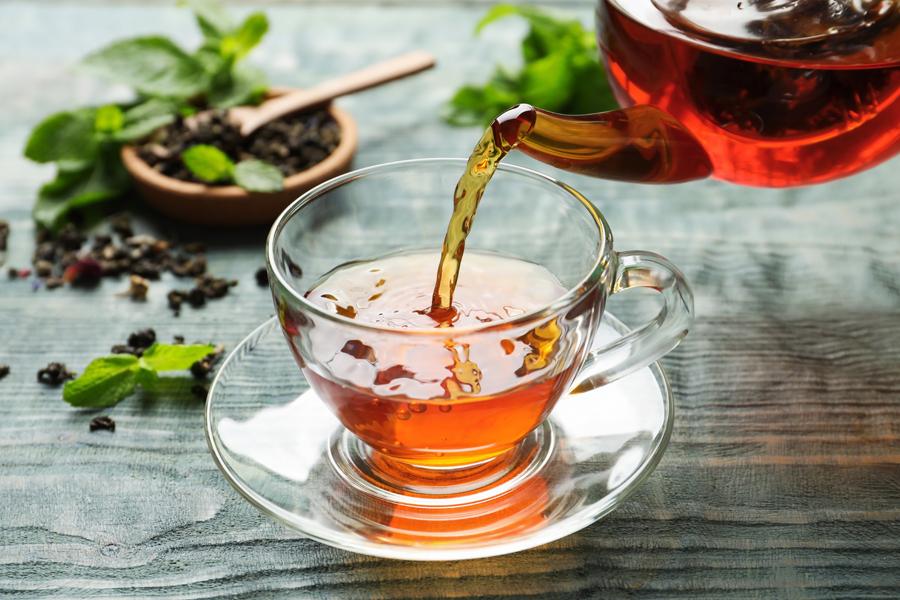 むくみ解消ができる飲み物は、お水やお茶です