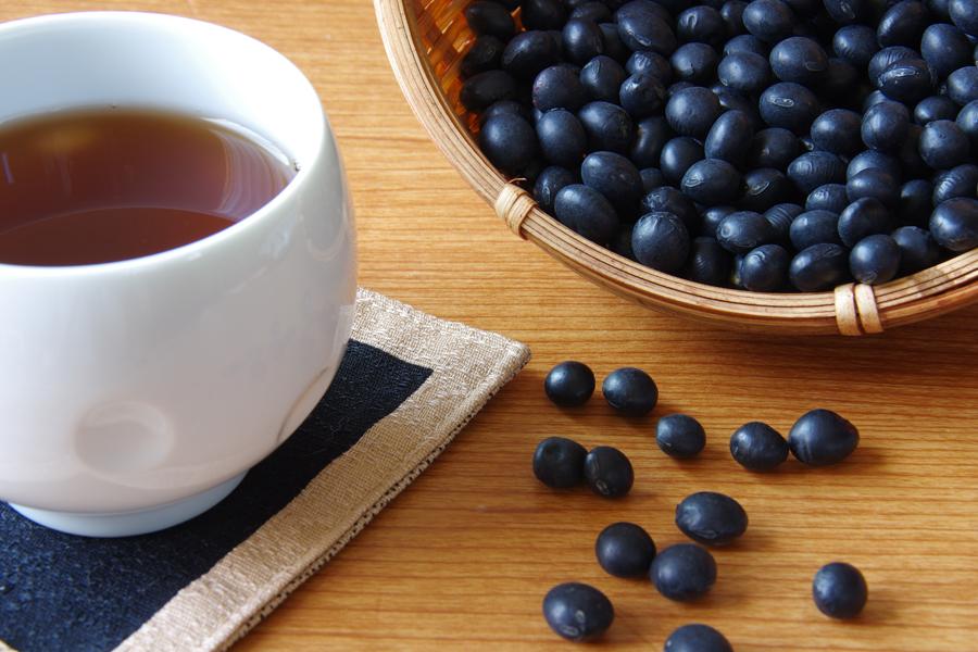 お茶のむくみ改善効果を上手に活用しましょう
