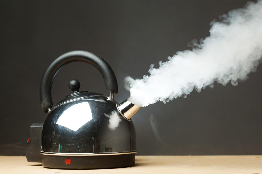 沸騰した後も10~15分程度火にかけたままにしましょう